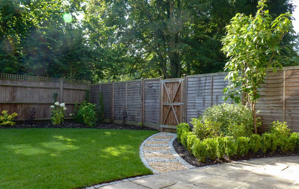 Updated Village Garden Design Ideas for Garden Redesign